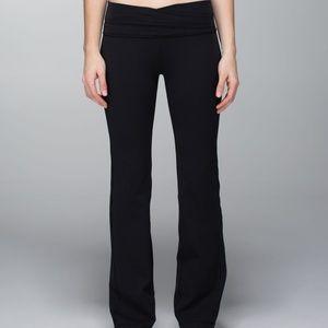 Lululemon Astro Pant 8 Black Flare Legging
